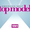 """""""Americas Next Top Model"""" bei VH-1 verlängert, Tyra Banks wieder Moderatorin – Amerikanische Model-Show geht in 24. Staffel – © VH-1"""