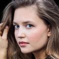 """Ex-""""Unter uns""""-Darstellerin verstärkt """"Alles was zählt"""" – Amrei Haardt steigt bei RTL-Soap ein – Bild: TVNOW / Lena Faye"""