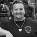 """[UPDATE] """"Asphalt-Cowboy"""" Andreas Schubert im Alter von 42 Jahren verstorben – Plötzlicher Tod des bekannten DMAX-Sendergesichts – © DMAX"""
