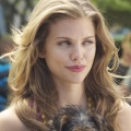 "AnnaLynne McCord (""90210"") und Matt Jones (""Mom"") in neuer Aerobics-Comedy – US-Sender POP bestellt ""Let's Get Physical"" – © Anchor Bay Films/CBS"