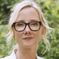 "Syfy beendet ""Aftermath"", Anne Heche schließt sich ""For God and Country"" an – Kein langer Leerlauf für Heche – © Virginia Sherwood/USA Network"