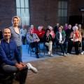 ZDF hat Sendeplatz für Demenz-Chor mit Annette Frier gefunden – Besonderes Sozialexperiment im Sommerprogramm – Bild: ZDF/Jan Rothstein