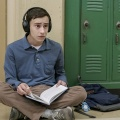 """""""Atypical"""": Ausführlicher Trailer zur kommenden Netflix-Comedy – Junger Mann mit Entwicklungsstörung auf der Suche nach sich selbst und Liebe – © Greg Gayne/Netflix"""