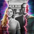 """""""WandaVision"""": Überraschend unkonventioneller Ausflug in das Marvel-Universum – Review – Superhelden Wanda Maximoff und Vision finden sich in trügerischer Vorstadtidylle wieder – © Marvel"""