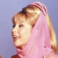 """""""Bezaubernde Jeannie"""": One schnappt sich Kultklassiker – 1960er-Jahre-Comedy mit Barbara Eden – © NBC"""