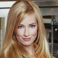 "Beth Behrs (""2 Broke Girls"") besucht ""The Big Bang Theory"" – Walton Goggins nimmt sich Raj vor – Bild: CBS/HBO"