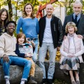 """""""Kein Vater, der im Keller Drogen produziert"""": Jürgen Vogel und Bettina Lamprecht im Interview – Zum Start der neuen VOX-Familienserie """"Das Wichtigste im Leben"""" – Bild: MG RTL D / Martin Rottenkolber"""