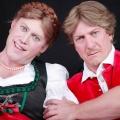 """ONE entführt seine Zuschauer nach """"BÖsterreich"""" – Schwarzhumorige Comedy mit Palfrader und Ofczarek – © ORF/superfilm"""