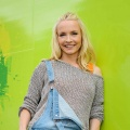 """Boom my Room"": Janin Ullmann möbelt ab Mai wieder sixx auf – Home-Makeover-Show kehrt im Mai zurück – © sixx/Willi Weber"