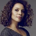 """Casting: Carmen Ejogo verstärkt dritte Staffel von """"True Detective"""" – Simon Kassianides heuert bei """"Suits""""-Spin-Off an – © CBS / ABC"""