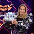 """Caroline Beil nach """"The Masked Singer"""": """"Ich bin eigentlich Klaustrophobikerin"""" – Enttarnter Roboter im Kurzinterview nach der ProSieben-Musikrateshow – Bild: ProSieben/Willi Weber"""