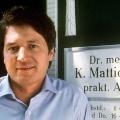 """ZDFkultur wiederholt frühe """"Der Landarzt""""-Staffeln – Wiedersehen mit Dr. Mattiesen ab Juni – Bild: ZDF"""