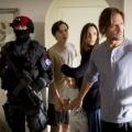 """""""Colony"""": Erster Trailer und Gaststars von der Comic-Con – Produzent Carlton Cuse verrät Details zu neuem Invasions-Drama – © USA Network"""