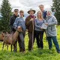 """""""Daheim in den Bergen"""": Neue ARD-Reihe mit Walter Sittler im Mai – Drama um zwei verfeindete Bauern-Clans – Bild: ARD Degeto/ Erika Hauri"""