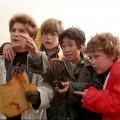 """""""Die Goonies""""-Serie in der Entwicklung – FOX bestellt Pilot zu Neufassung des Kultfilms der 80er Jahre – Bild: Warner Bros."""