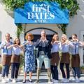 """""""First Dates Hotel"""": VOX gibt zweite Staffel in Auftrag – Dating-Doku geht in die nächste Runde – Bild: TVNOW / Bernd Michael-Maurer"""
