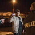 """""""Bad Cop – kriminell gut"""": Unglaubwürdiger Rollentausch führt zu Cop mit schlechten Manieren – Review – RTL-Eigenproduktion lässt Gangster zum Cop werden – Bild: RTL/Georges Pauly"""