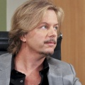 """Comedy Central Roast of Rob Lowe"": David Spade wird Roastmaster – Aufzeichnung Ende August – © CBS"