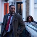 """ZDFneo versteckt neue """"Luther""""-Folgen und """"They Were Ten"""" tief in der Nacht – Wiedersehen mit Idris Elba und neue Agatha-Christie-Adaption – © ZDF/Des Willie"""