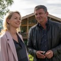 """Quoten: Nächster Rekord für """"Bergdoktor"""", """"Topmodels"""" bei Jüngeren unschlagbar – RTL-Serien weiter im Sinkflug, James Bond punktet doppelt bei VOX – © ZDF/Erika Hauri"""