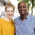 """""""Der beste Deal"""": Neue ARD-Verbrauchersendung mit Annabell Neuhof und Yared Dibaba – Welche Produkte sind gut, günstig und wurden fair produziert? – Bild: WDR/Ben Knabe"""