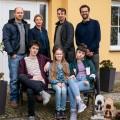 """""""Mirella Schulze rettet die Welt"""": Drehstart für neue TVNOW-Dramedy um Klimaaktivistin – Neues Projekt von """"Stromberg""""-Autor Ralf Husmann – Bild: TVNOW / Julia Terjung"""