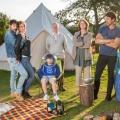 """""""Robin's Test"""": Britisches Sky bestellt neue Comedyserie – Camping-Trip wird zum Alptraum – © Sky One"""