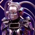"""""""The Masked Singer""""-Enthüllung Nr. 5: Der Roboter ist…– ProSieben-Musikrateshow kehrte nach Pause zurück – Bild: ProSieben/Screenshot"""