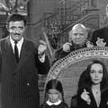 """""""Addams Family"""": Tim Burton entwickelt Fortsetzungsserie – Adaption der Kult-Comedy sucht derzeit nach einem Abnehmer – Bild: ABC"""
