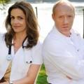 """""""Die Eifelpraxis"""" öffnet noch im Sommer wieder – Zwei neue Folgen mit Rebecca Immanuel und Simon Schwarz – Bild: ARD Degeto/Hardy Spitz"""