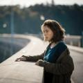 """""""Die verlorene Tochter"""": Aufguss altbekannten Stoffs lässt neue Geschmacksnoten vermissen – Review – Erneut geht in ZDF-Miniserie in der Provinz ein Mädchen verloren – Bild: ZDF und Alexander Fischerkoesen"""