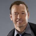 """""""Encore"""": Donnie Wahlberg und Nick Lachey entwickeln Boyband-Sitcom – Mitglieder von NKOTB und 98 Degrees verarbeiten Erfahrungen – Bild: CBS"""