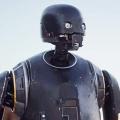 """Alan Tudyk kehrt in """"Rogue One""""-Prequel für Disney+ zurück – Droide K-2SO neben Cassian Andor – Bild: Lucasfilm"""