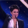 """Dunja Hayali beeindruckt bei """"Goldener Kamera 2016"""" – Preise für """"Deutschland 83"""" und """"Ein großer Aufbruch"""" – Bild: ZDF/Screenshot"""