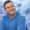 """Elton präsentiert neue Comedyshow im KiKA – YouTuber Marti Fischer in Sketchcomedy """"Leider lustig"""" – Bild: ZDF/Ralf Wilschewski"""