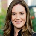Erinn Hayes wird in neuer Comedy zu Kevin James' Ehefrau – Nachfolgerin von Leah Remini als Serienfrau – Bild: CBS