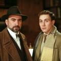 """Agatha Christie mordet gleich doppelt bei TVNOW – Serien """"Kleine Morde"""" und """"Einladung zum Mord"""" aus Frankreich – Bild: TVNOW / Euvid One GmbH"""