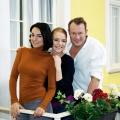 """""""Unter uns"""": Mimi Fiedler und Hanno Friedrich steigen ein – Familie Novak stößt zur RTL-Daily-Soap – Bild: RTL / Stefan Behrens"""