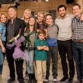 """""""Fuller House"""" kommt vor Weihnachten zurück – Lee Majors, Lindsay Wagner, Josh Peck und mehr in Staffel 4 zu Gast – © Netflix"""