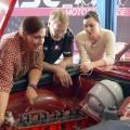 """""""Garage Girls"""": RTL II testet neues Automagazin – Frauen schrauben an den Oldtimern ihrer Männer – © RTL II"""