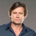 """Denver-Clan""-Reboot: Grant Show (""Melrose Place"") wird Blake Carrington – Sam Adegoke wird zum Gegenspieler Jeff Colby – Bild: Lifetime"