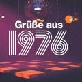 """ZDF setzt auf """"Timetainment"""": Neue Zeitreiseshow """"Grüße aus…"""" – Thomas Heinze, Patricia Kelly und Pierre Littbarski reisen in ihre Kindheit – Bild: ZDF"""