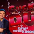 """""""Guckst Du?!"""": Kaya Yanar bekommt neue Comedyshow in Sat.1 – Yanar und Gäste feiern die Welt der Kinofilme – © Sat.1/Brainpool"""