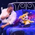 """""""Pretty in Plüsch"""": Hardy Krüger Jr. muss Puppen-Gesangsshow verlassen – Sat.1 gibt neuen Duettpartner von Plüsch-Puppe Polly bekannt – Bild: obs/SAT.1"""