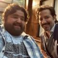 """Jorge Garcia kommt zur """"Lost""""-Reunion bei """"MacGyver"""" – """"Hawaii Five-0""""-Veteran besucht Schwesterserie und Ex-Kollegen – Bild: twitter.com/hicusick"""