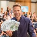 """""""Hol dir die Kohle"""": Neue RTL-Erfindershow startet Mitte Oktober – Neues Format mit Florian Ambrosius am Nachmittag – Bild: MG RTL D / Bernd-Michael Maurer"""