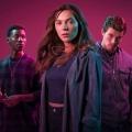 """Neu bei One: Zweite """"Clique""""-Staffel und """"Grand Hotel"""" – Britisches Uni-Drama und spanische Glamour-Soap – Bild: BBC three"""