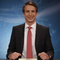 """""""Zum Brüller"""": Ingolf Lück mit neuem Comedy TV Format – Servus TV lädt ins ländliche Gasthaus ein – Bild: Sat.1"""