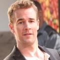 """""""Carters Get Rich"""": James Van Der Beek in Britcom von Sky 1 – US-Investor verändert das Leben von britischer Normalo-Familie – Bild: ABC"""