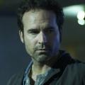 """Wayward Pines"": Jason Patric mit Hauptrolle in Staffel zwei – FOX-Sommerserie heuert neues Mitglied der Rebellion an – © Oak Street Films"